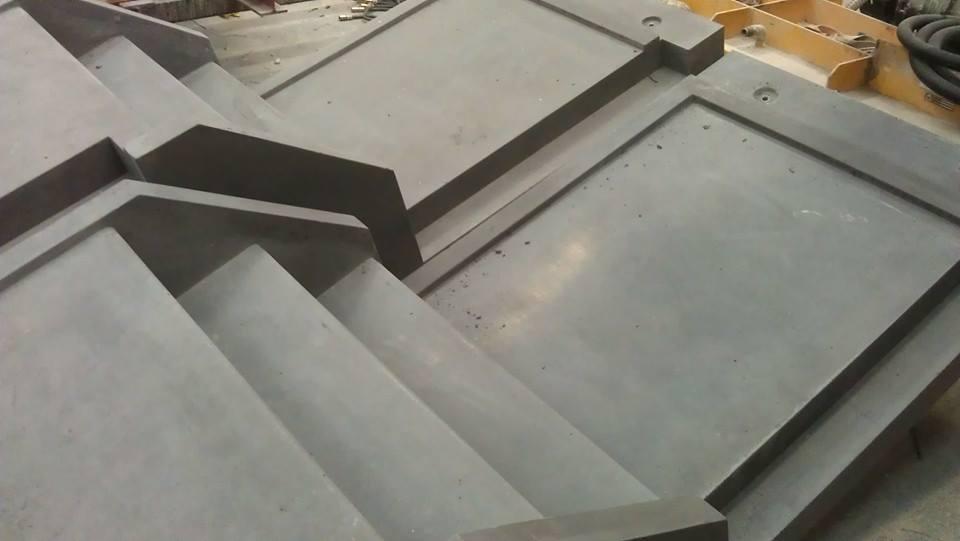 Betonnen trappen met of zonder bordes op maat.